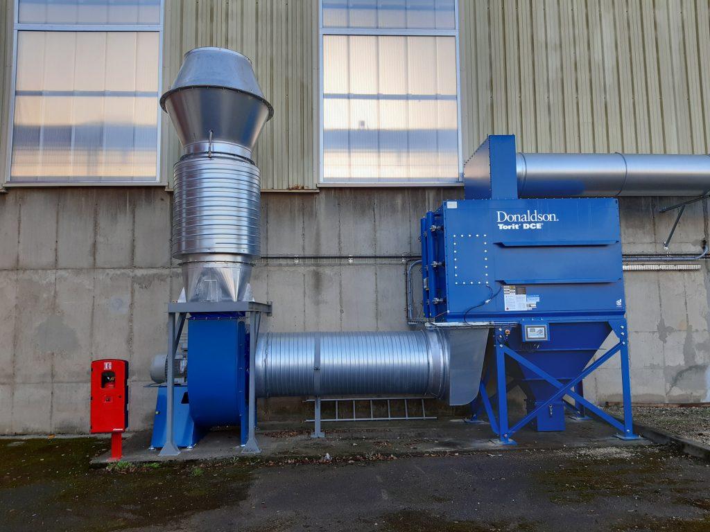 équipement dépoussiéreur de marque DONALDSON pour une cabine de découpe de métal