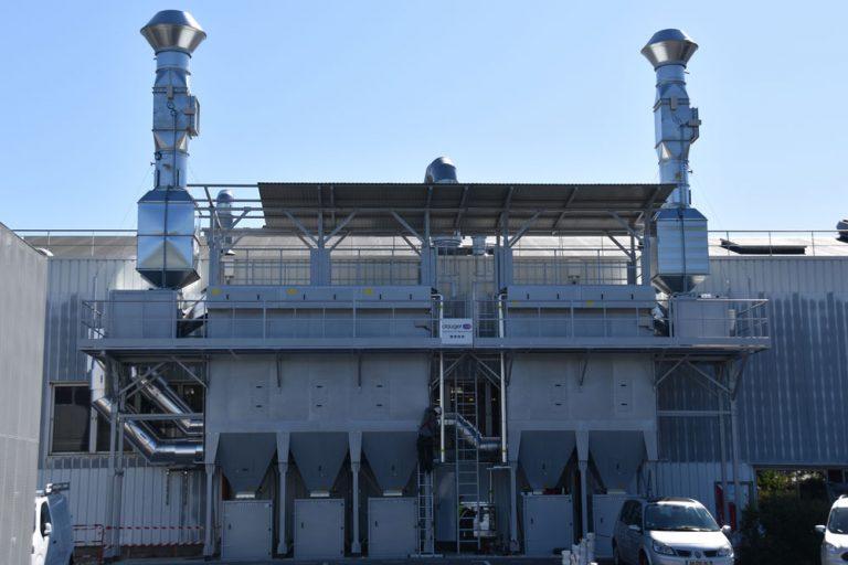 Solution de dépoussiérage sur une ligne de pulvérisation PTFE (Polytétrafluoroéthylène)