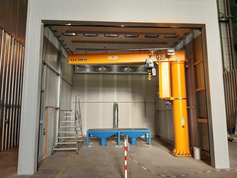 Dépoussiérage d'une cabine de découpe de métal «ZIP»