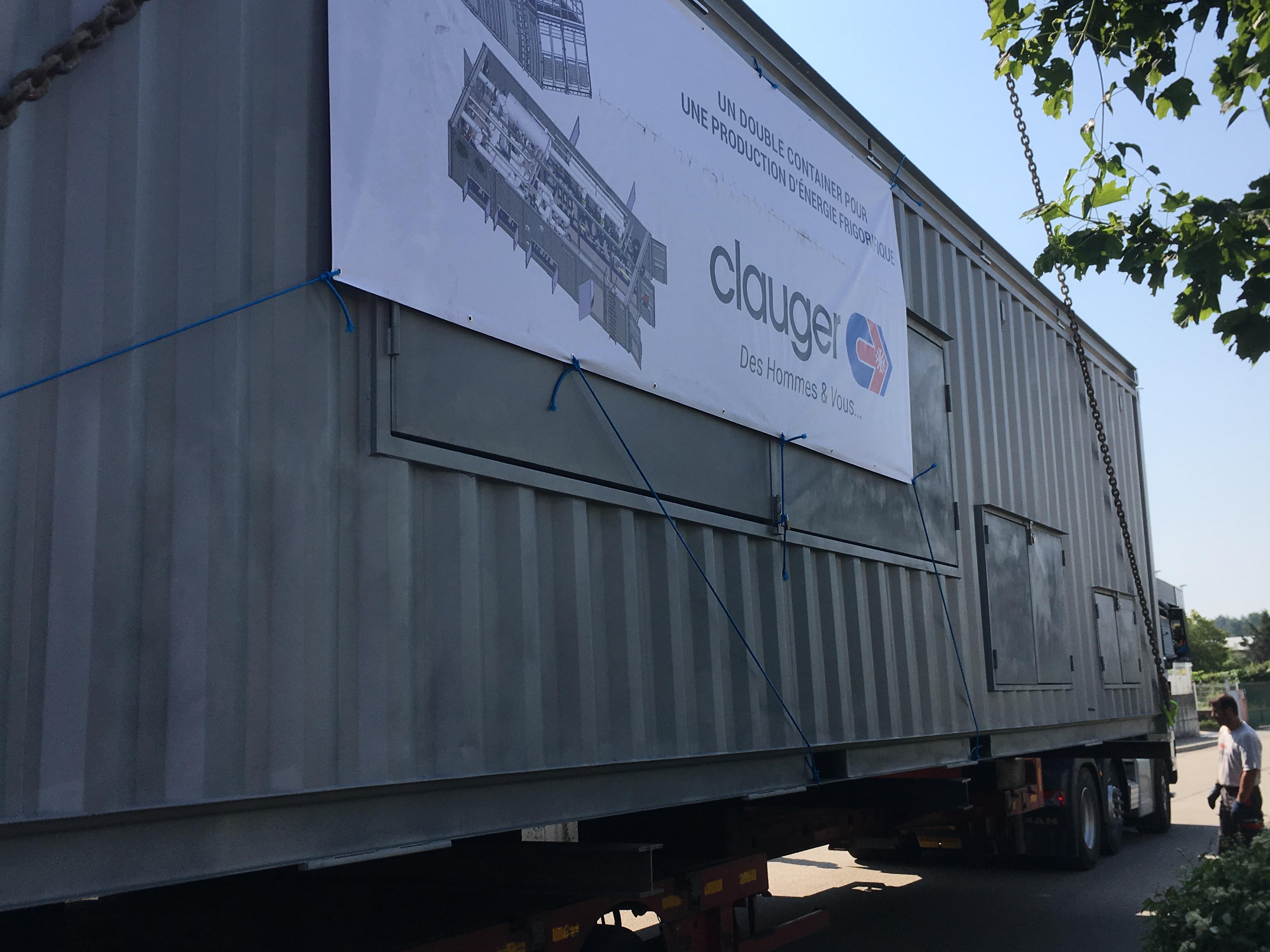 Convoi exceptionnel d'un double container Clauger